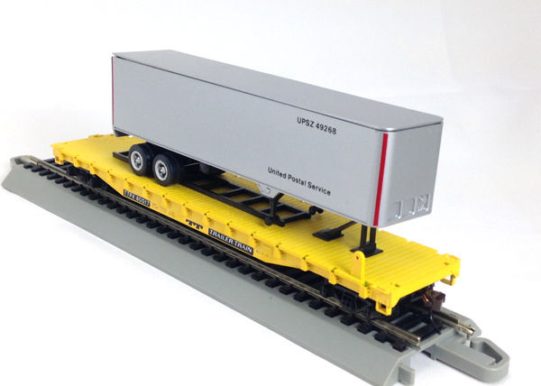 HO 54 Ft Flat Trailer Train, with UPS Trailer (01-009426)