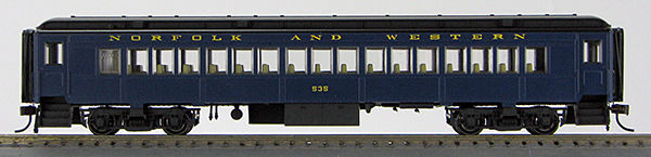 HO BCS Norfolk & Western Pevler Blue Coach 0001-094234