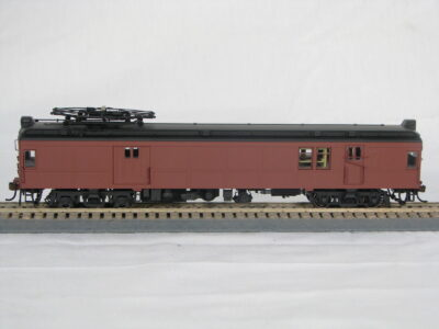 HO Unlettered Powered muMP54 Post-War Baggage Mail with Pantograph (1-94521)