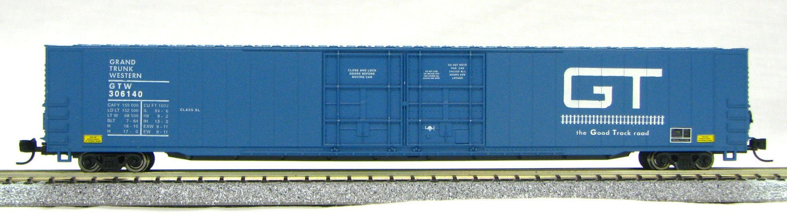 N Scale 4 Door 85 Ft Hi-Cube, Grand Trunk (with MT couplers) 1-014669