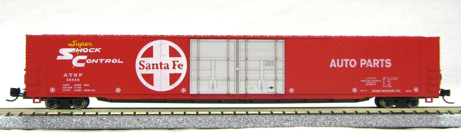 N Scale 4 Door 85 Ft Hi-Cube, Santa Fe,Shock Control (with MT couplers) 1-014663