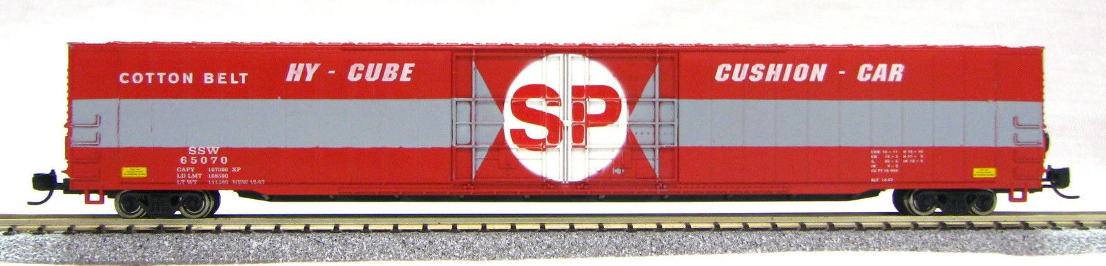 N Scale 4 Door 85 Ft Hi-Cube, Southern Pacific (with MT couplers) 1-014671