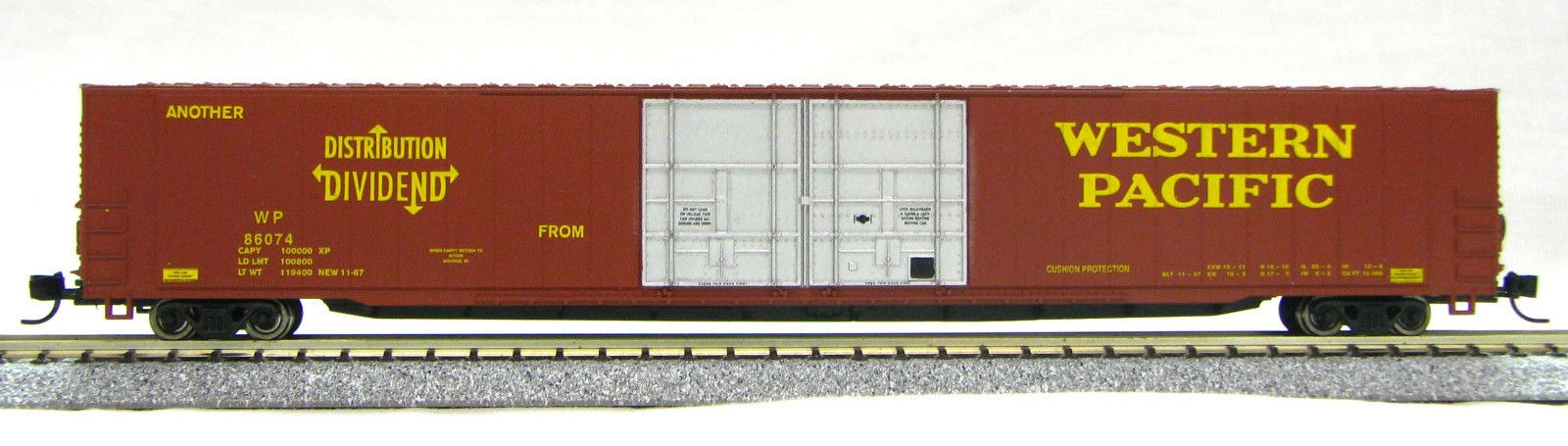 N Scale 4 Door 85 Ft Hi-Cube, Western Pacific (with MT couplers) 1-014665