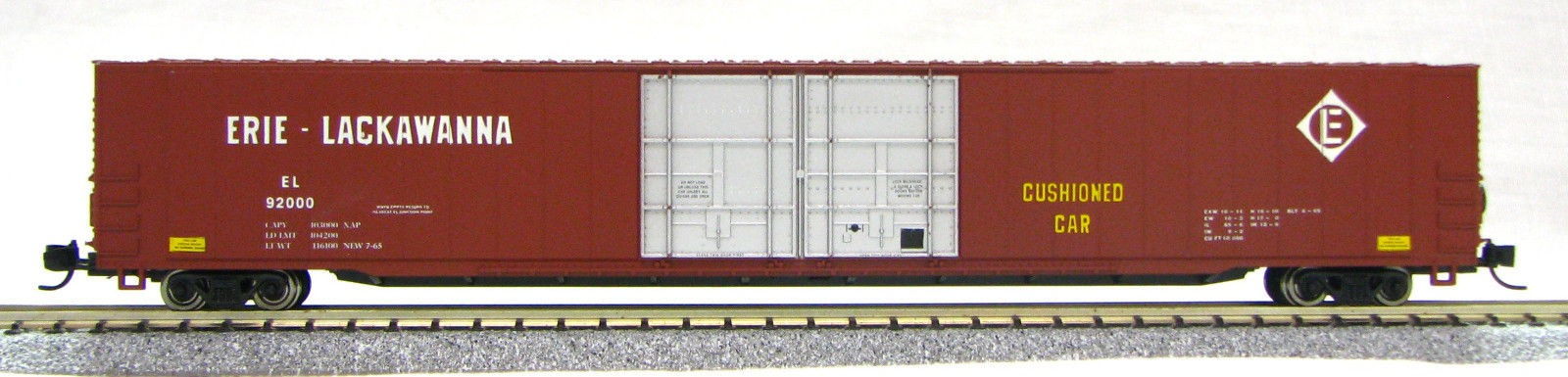 N Scale 4 Door 85 Ft Hi-Cube,Erie Lackawanna (with MT couplers) 1-014670