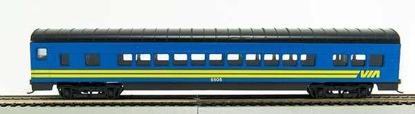 HO 72 Ft Passenger Car Coach #5505 Via Rail (Blue Car with yellow) (1-000912)