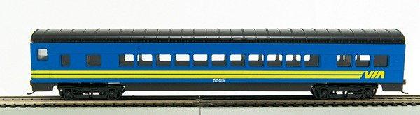 HO 72 Ft Passenger Car Coach #5505 Via Rail (Blue Car with yellow) (1-000912)