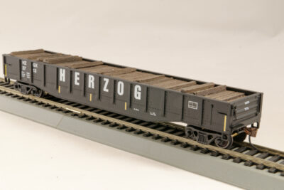 HO Gondola /with Resin Tie Full load Herzog Railway - Black. (01)