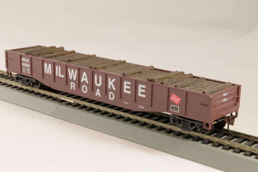 HO Gondola /with Resin Tie Half load  Milwaukee  Railway - Black. (02)