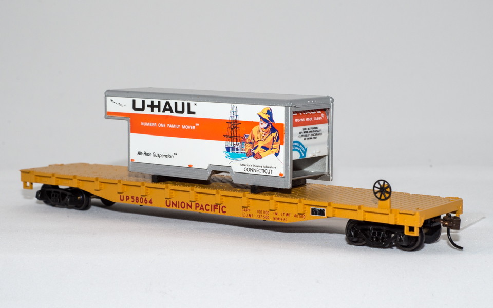 U-Haul Conneticut (Fisherman) on Union Pacific Flatcar